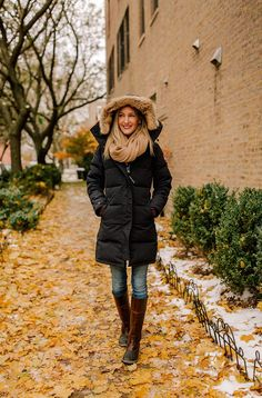 With Winter in full swing here in Chicago were featuring Kellys favorite warm Winter jacket. This post is a Canada Goose Shelburne Review. Outfit Essentials, Winter Outfits, Winter Dresses, Winter Clothes, Canada Goose Women, Goose Clothes, Winter Wear, 2016 Winter, Winter Time