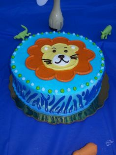 Jungle Safari themed smash cake for 1st bday