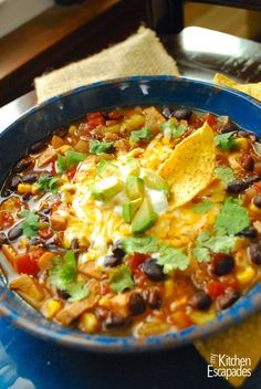 Southwest Chicken Chili - packed with chicken, black beans, corn and yummy toppings