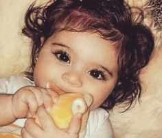 did somebody put fucking LASHES on this baby? smdh i really don't trust some dumbass mom not to put false lashes on a baby So Cute Baby, Cute Mixed Babies, Baby Kind, Pretty Baby, Cute Kids, Cute Baby Pictures, Baby Photos, Cute Babies Pics, Beautiful Children