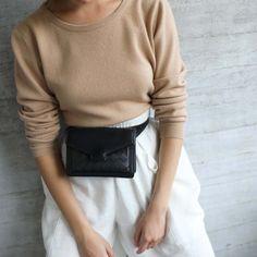 Hilla Vyölaukku - Lovia Fanny Pack, Avon, Turtle Neck, Pullover, Sweaters, Bags, Fashion, Hip Bag, Handbags