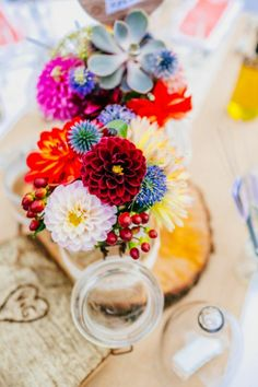 Bright floral centerpieces for a southern France Real Wedding