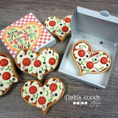 valentine's day cookies for your loved ones. Gift for him, gift for husband, gift for her. Just the perfect gift for valentine's day. Spread the love Valentine Pizza, Valentines Day Cookies, Birthday Cookies, Valentine Nails, Valentine Ideas, Fancy Cookies, Cute Cookies, Cupcake Cookies, Heart Cookies