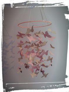 Mobile suspension papillons violets et roses : Décoration pour enfants par titemimibois
