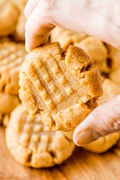 These flourless peanut butter cookies only take one bowl and are a breeze to whip up. Their ultra-rich flavor makes them perfect for peanut butter lovers! Homemade Cake Recipes, Easy Baking Recipes, Easy Cookie Recipes, Homemade Cookies, Sweet Recipes, Dessert Recipes, Healthy Desserts, Easy Desserts, Peanut Cookie Recipe