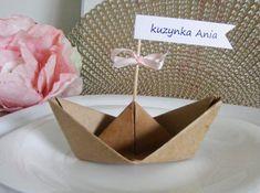 Winietki łódki na urodziny, komunię, chrzest, roczek dla dzieci Impreza, Handmade Cards, Diy Wedding, Origami, Place Cards, Gift Wrapping, Place Card Holders, Birthday, Kids