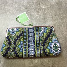 """Vera Bradley clutch wallet Vera Bradley clutch wallet, double kisslock closure with two compartments. New, never used,  8 x 4.5"""" Vera Bradley Bags Clutches & Wristlets"""