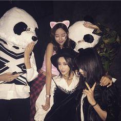pics with friends Korean Ulzzang, Korean Girl, Asian Girl, Ulzzang Couple, Ulzzang Girl, Korean Friends, Bff Goals, Friend Goals, Korean Fashion Trends