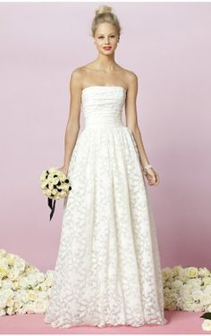 Modern A-line Floor-length Strapless White Lace Dress