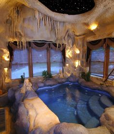 ♡Stunning Spar bath.. LOVE the sculptures on the wall & the stars in the ceiling!! Screen shot 2013-08-13 at 1.36.38 PM