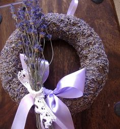 How To Make A Lavender Wreath - easy project using a wreath form, glue and lavender buds. Lavender Cottage, Lavender Garden, Lavender Buds, French Lavender, Lavender Color, Lavender Flowers, Dried Flowers, Beautiful Flowers, Purple Flowers