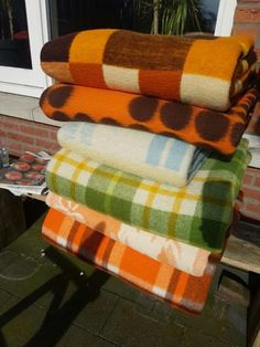 Blankets For Sale, Faux Fur Throw, Vintage Wool, Wool Blanket, Home Textile, Old School, Lisa, Quilting, Textiles