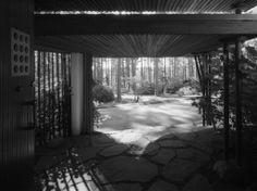 Alvar Aalto: Villa Mairea, Noormarkku 1938-39 Main entrance in July 1997. Photo: Maija Holma.