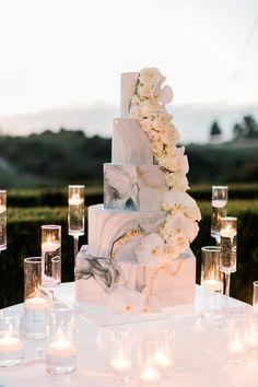 Marble floral-adorned wedding cake at The Resort at Pelican Hill in Newport Beach, CA. Brought to life by Photographer – Jeremy Chou, Planner – ME Weddings & Events, and Florist – Flowers by Cina. Wedding Goals, Wedding Themes, Wedding Events, Wedding Styles, Wedding Planning, Wedding Decorations, Weddings, Beautiful Wedding Cakes, Perfect Wedding