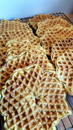 Vafler – lavkarbo – Lindas lavkarbo Norwegian Cuisine, Norwegian Food, Lactose Free Recipes, Low Carb Recipes, Healthy Recipes, Gluten Free, Low Carb Sweets, No Bake Desserts, Kids Meals
