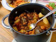 """Le plat national Irlandais, appelé « Irish Stew », est un ragoût de mouton et pommes de terres en proportions égales, avec des oignons et parfois d'autres légumes. Cette version """"énergisante"""" est ajustée pour répondre à vos besoins avant les activités sportives."""
