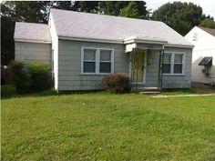 3696 Wayne Ave ~ Memphis, TN ~ A Charming Cute Starter Home ~ Big Backyard ~ Visit & Be IMPRESSED!