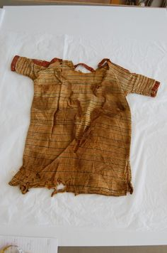 VII-VIII cent. Textile News, Early Middle Ages, Archaeology, Tunics, Roman, Africa, Textiles, Tapestry, Tops