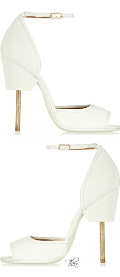 Givenchy White textured-leather sandals §