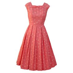 Coral and cream vintage 60s dress ❤ liked on Polyvore featuring dresses, vestidos, pink, vintage dresses, vintage day dress, cream dress, creme dresses and pink red dress