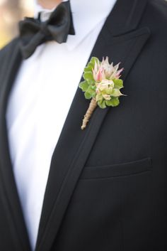 Ecelctic Boutonniere  #ElChorro in Paradise Valley, AZ with #AmyandJordanPhotography and #ImoniEvents www.flowerstudioaz.com