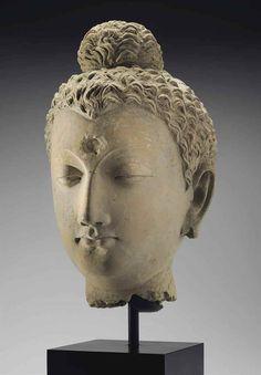 A life-size stucco head of Buddha Gandhara, century 16 ½ in. Sculpture Head, Buddha Sculpture, Buddha Face, Buddha Zen, Buddha Figures, Dunhuang, 17th Century Art, Sculpture Projects, Ancient Egyptian Art