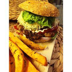Szafi Fitt szénhidrátcsökkentett hamburger Hamburger, Fitt, Paleo, Ethnic Recipes, Beach Wrap, Burgers, Paleo Food