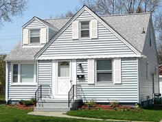 Light blue house with grey roof roofs roof colors, light blu Exterior Colors, Exterior Paint, Interior And Exterior, Roof Colors, House Colors, Light Blue Houses, Blue Siding, Paint Your House, Hip Roof