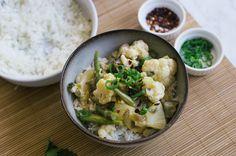 Snelle vega curry met bloemkool, ananas, sperziebonen -  De Groene Meisjes