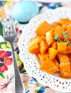 Forget brown sugar, try these honey apricot roasted sweet potatoes by Jennifer Leal @savorthethyme