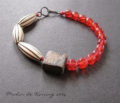 Bracelet by Malin de Koning. www.beadingbymalindekoning.blogspot.se