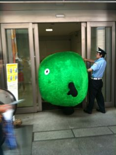 Let These Amusing Japanese Internet Photos Brighten Your Day Silly Photos, Funny Photos, Another Green World, Japanese Funny, Collaborative Art Projects, Having A Bad Day, Kawaii Cute, Brighten Your Day, Funny People