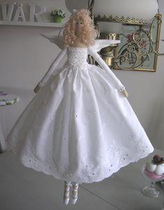 Tilda in white Diy Toys Doll, Doll Crafts, Cute Crafts, Wedding Doll, Doll Hair, Fairy Dolls, Soft Dolls, Handmade Toys, Doll Clothes