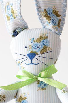 króliczek w błękitne róże dladziecka forkids handmade rekodziełodladzieci