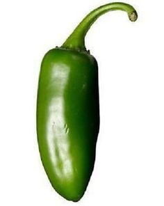 A great comparison of the most commonly known and widely used hot pepper types, their nutritional value and how their heat rates on the scoville scale Jalapeno Chili, Jalapeno Recipes, Spicy Recipes, Roasted Jalapeno, Stuffed Poblano Peppers, Stuffed Sweet Peppers, Tomato Cultivation, Capsicum Annuum, Pepper Plants