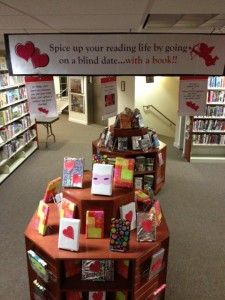 """Fun! Libraries all around have started offering """"Blind Date with a Book"""" You CAN'T judge these books by their covers... or even their titles. A few key words on a wrapped cover (""""drama"""" """"plot twists"""" """"witty"""") is all you get before you choose one of the staff picks. No hurt feelings if it doesn't work out; just return it for another blind date (or a booty call with a favorite old book ;-) ). Library Signage, Signage Display, Library Book Displays, Library Books, Library Ideas, Book Club Menu, Blind Dates, Hurt Feelings, Plot Twist"""