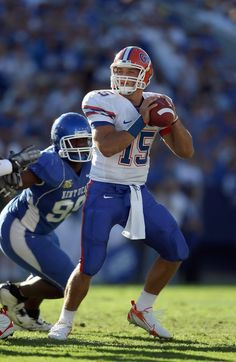 Tim Tebow #15 of the Florida Gators looks to pass the ball during the SEC game against the Kentucky Wildcats on October 20, 2007 at Commonwealth Stadium in Lexington, Kentucky.