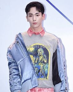 170331 Key - KYE: 2017 F/W Hera Seoul Fashion Week . . #SHINee