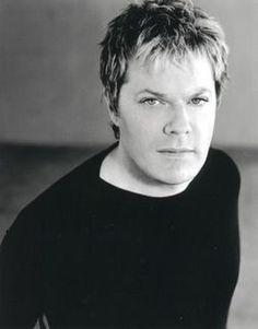 Eddie Izzard. Close to the perfect man. Funny, handsome and a share-able wardrobe