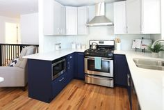 Navy Blue Kitchen Cabinets, Navy Cabinets, Shaker Kitchen Cabinets, Painting Kitchen Cabinets, 3d Kitchen Design, Cabinet Inspiration, Kitchen Inspiration, Navy Home Decor, Quality Cabinets