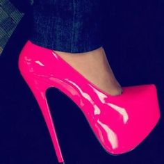 pretty pink patent pump