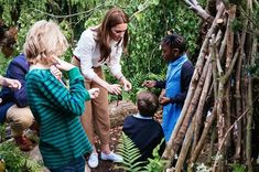 Kate Middleton shows off her Royal Horticultural Society Chelsea Flower Show garden to a group of adorable children - HELLO! Duchess Kate, Duke And Duchess, Duchess Of Cambridge, Chelsea Garden, Emilia Wickstead, Chelsea Flower Show, Princess Kate, Princess Charlotte, First Girl