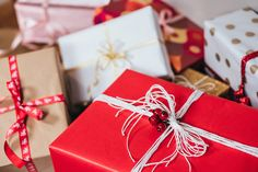 11 unique christmas gift wrapping ideas for your next christmas gift exchange Unique Christmas Gifts, Christmas Presents, Christmas Fun, Holiday Gifts, Unique Gifts, Best Gifts, Christmas Shopping, Christmas Pictures, Amazon Christmas