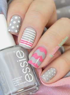 The Chevron pattern in this design isn't really as sharp as the others but it really makes the design sweet, even with a gray and pink combination.