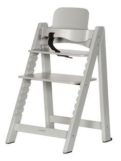 Растущий детский стульчик от Kidsmill объединяет в себе, дизайн и удобство в использовании на долгие годы. Этот эргономичный стул настоящая находка для Вас и вашего ребенка. Стул сделан из высококачественного цельного бука, имеет регулировку высоты и растет вместе с вашим ребенком. Стульчик выполнен в скандинавском стиле. Стульчик легко собирается и соответствует потребностям ребенка в любом возрасте. Когда Ваш ребенок подрастёт, Вы сможете убрать ограничительную перекладину и отрегулировать… Kids Store, Ladder Bookcase, Shelves, Chair, Furniture, Home Decor, Up, Products, Bunk Bed With Trundle