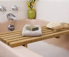 ReadyMade shows you how to create a bath caddy.
