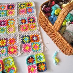 Color 'n Cream ~ Looking for an idea to put all my coloured grannie squares together!