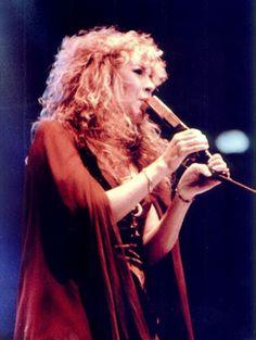 rock on ancient queen Look Vintage, Vintage Ladies, 40 Years Ago Today, Down With Love, Joey Tempest, Stephanie Lynn, Lindsey Buckingham, Stevie Nicks Fleetwood Mac, Women Of Rock