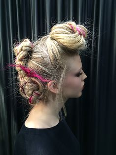 Best hairstyle for oval face man women hair color necklaces,shag hairstyles for older women long fringe hairstyles female,different kinds of hair buns how to create a bouffant. Long Fringe Hairstyles, Oval Face Hairstyles, Pretty Hairstyles, Braided Hairstyles, Hair And Makeup Artist, Hair Makeup, 4 Strand Braids, Crimped Hair, Hair Color For Women