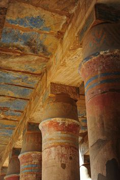 Columns in Festival Hall Karnak (pleasure to see that they could be freshly painted!!)
